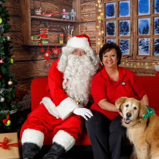 34 hhs santa by @lauraphotospets 1