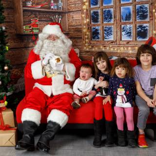 36 hhs santa by @lauraphotospets 1